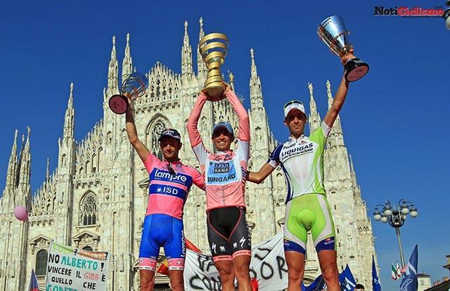 Alberto Contador, Michele Scarponi y Vincenzo Nibali n el Pódium del Giro de Italia 2011