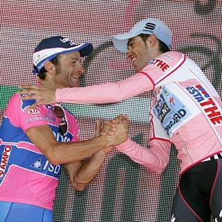 Alberto Contador y Michele Scarponi