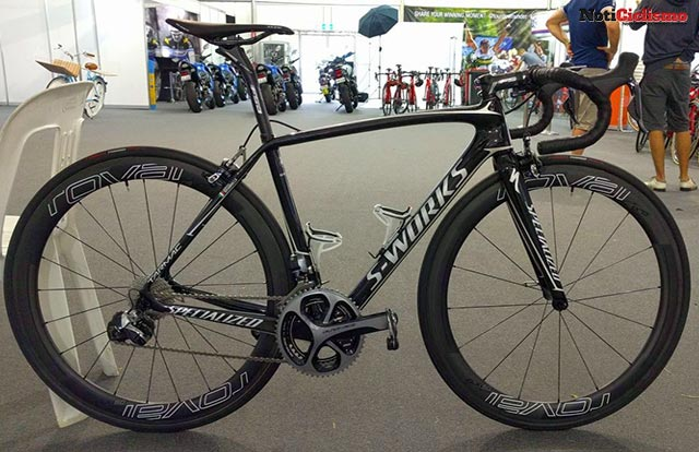 Quick-Step Floors - Specialized S-Works Tarmac