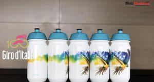 Astana lanza los bidones de tributo a Scarponi