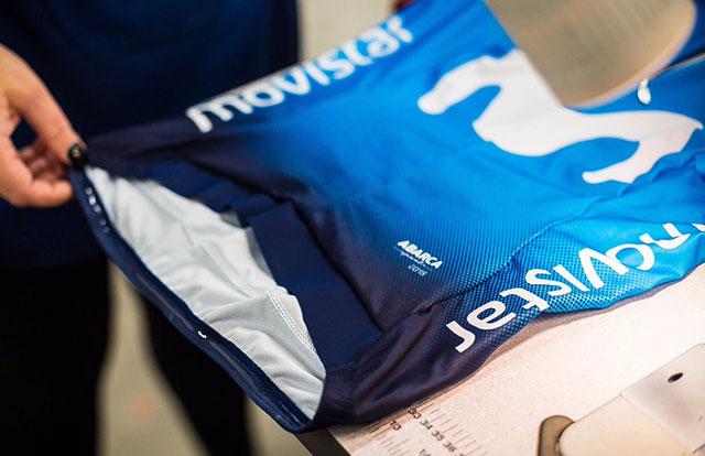 Movistar revela su nueva equipación para el 2018