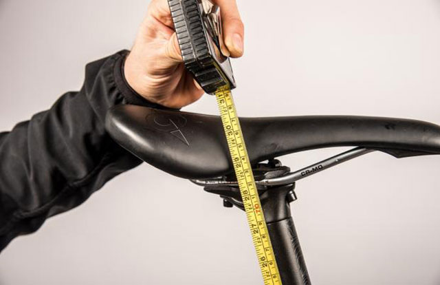 ¿Cómo ajustar la altura del sillín de tu bicicleta de forma correcta?