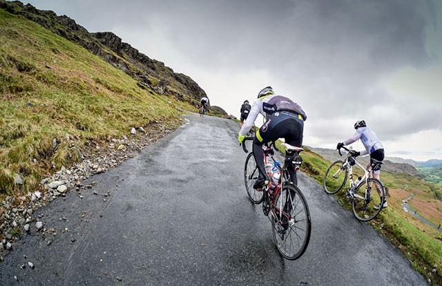 Cuatro ejercicios para mejorar tu habilidad para escalar puertos de montaña