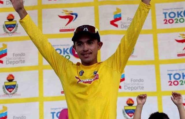 Yonathan Salinas (Deportivo Táchira-JHS)