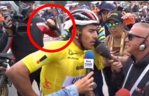 Camarógrafo de ESPN agrede a un periodista en el Tour Colombia 2020