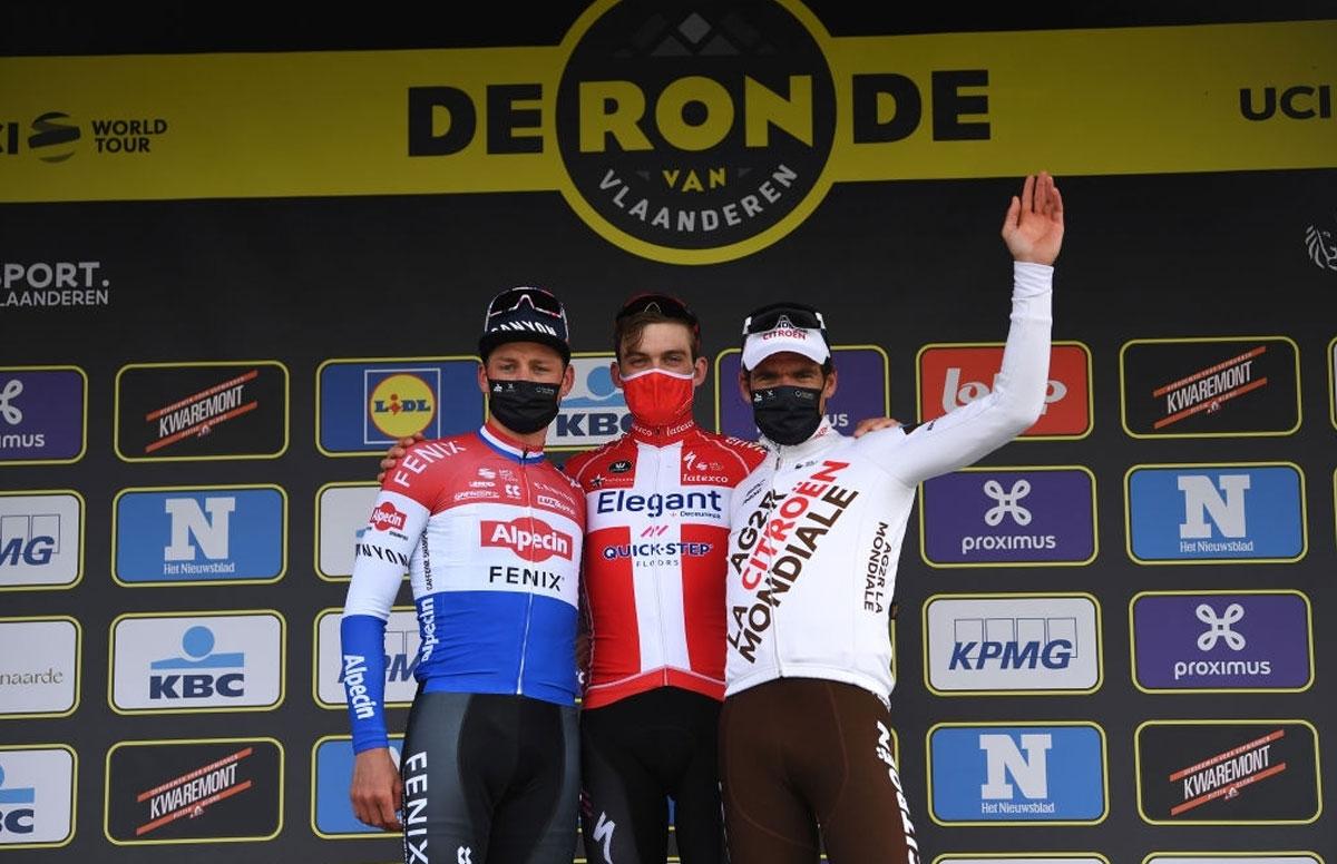 Pódium final del Tour de Flandes 2021